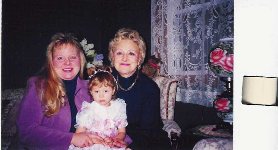 Mommy,Grammy and Tori pose for a picture to send to NicholasMisha